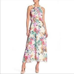 NWT Robbie Bee Patterned Flower Crew Neck Dress